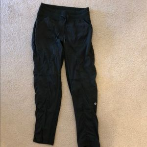 Army green lululemon cropped track pants. Size 6